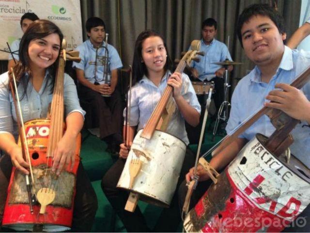 orquesta-de-instrumentos-reciclados