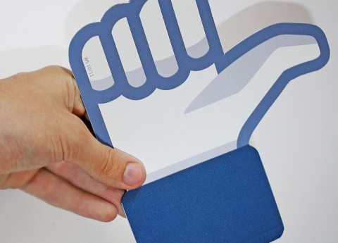 """Facebook eliminará  los """"me gusta"""" falsos"""