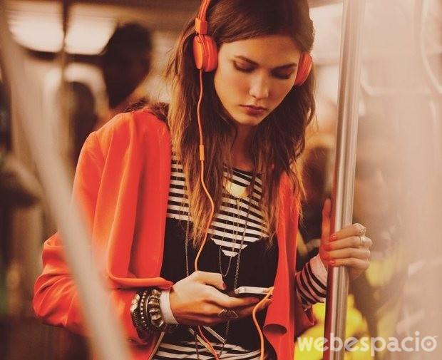 escuchar-musica-para-escuchar-conversacion