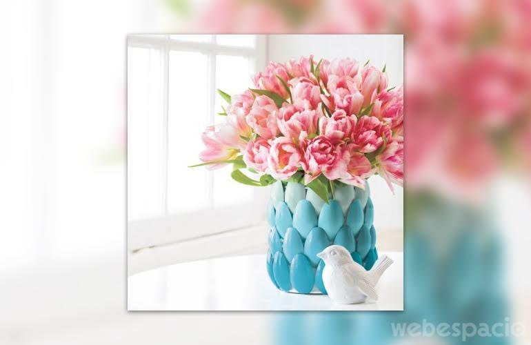 jarron-de-flores-con-cucharas